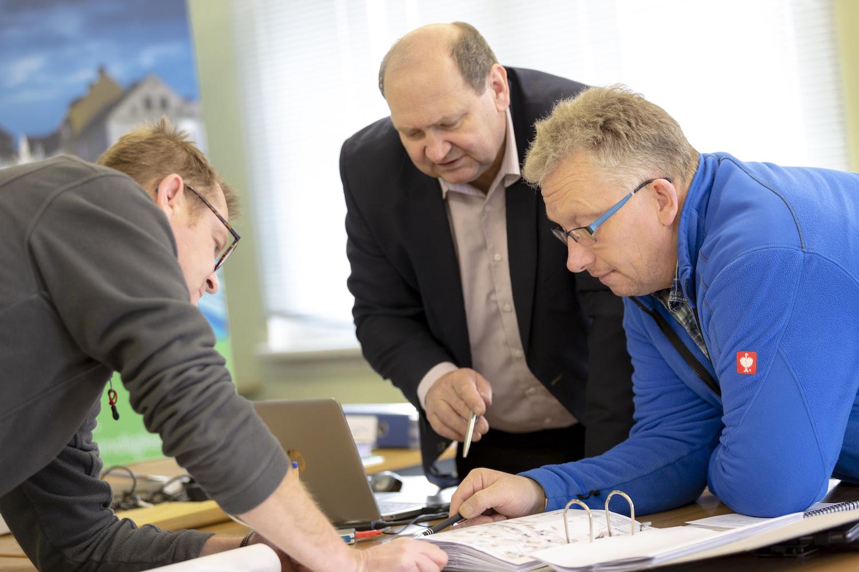 In der Planungsphase arbeitet die Avacon Connect eng mit der Kommune zusammen.